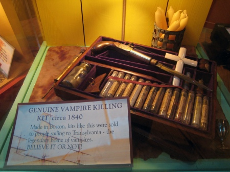 Vampire_Killing_Kit. Boston. 1840
